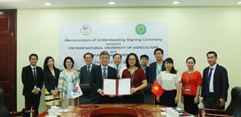 Ký kết thỏa thuân hợp tác (MOU) giữa Học viện Nông nghiệp Việt Nam và Đại học Kyungsung Hàn Quốc