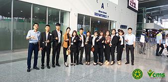 Giây phút xúc động tạm biệt các bạn sinh viên Học viện Nông nghiệp Việt Nam lên đường làm việc tại Nhật Bản tháng 4